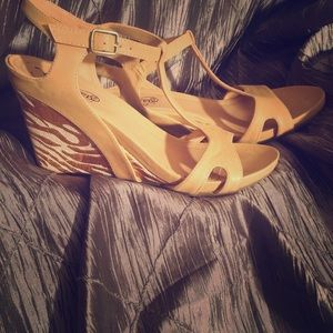 Unlisted Shoes - Unlisted Kenneth cole production wedges