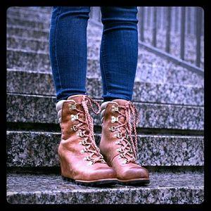 Sorel Shoes - SALE!!! 🎉 NEW Sorel Conquest wedge snow boots