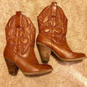 MIA Shoes - MIA LARUE COWBOY BOOTS