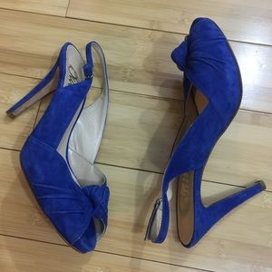 Butter Shoes Shoes - EUC Butter Heels Open Toe electric blue suede 8