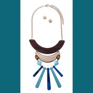 Jewelry - Tiered Beaded Necklace Set Blue and Teal