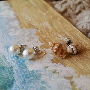 Jewelry - Shell and Pearl Stud Set