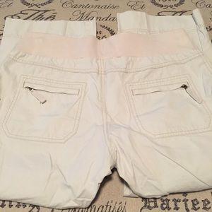 Old Navy Pants - Maternity capris size medium