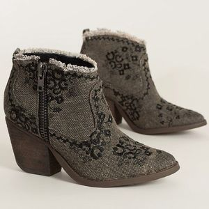 naughty monkey Shoes - Embroidered Ankle Cowboy Booties