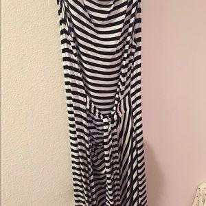 Spense Dresses & Skirts - Striped wrap dress