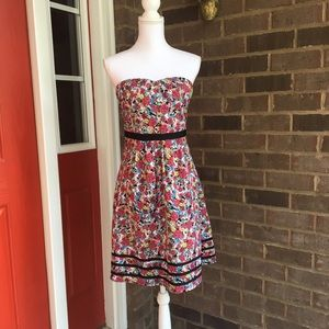 Romy Dresses & Skirts - Strapless Floral Spring Dress
