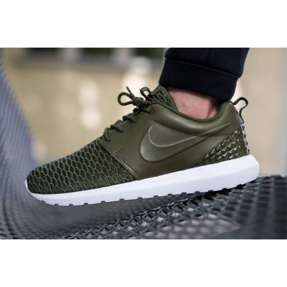 lepszy Nowy Jork rozmiar 7 Nike Roshe Leather + Flyknit Sneakers NWT