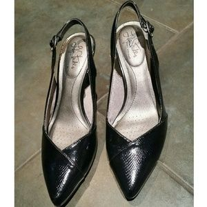 Life Stride Shoes - Life Stride pointed toe slingback heels, size 9