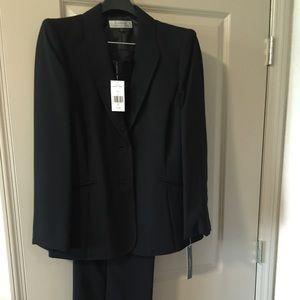 Tahari Woman Other - Tahari Arthur S. Levine 2 piece suit black size 14