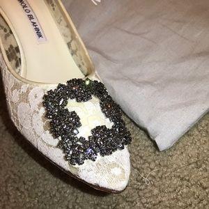 7bd94e387305a Manolo Blahnik Shoes - NIB Auth Manolo Blahnik Hangisi 70 White Lace