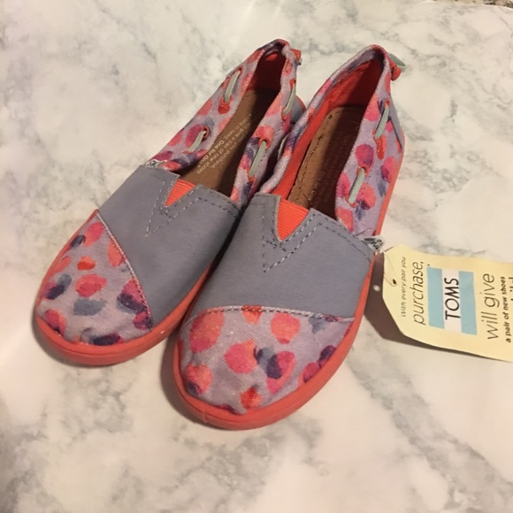 1504440cd75 Girls TOMS pink purple multi colored flats size 1
