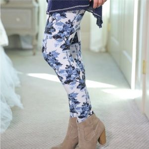 Just In! Blue Floral Print Knit Leggings!