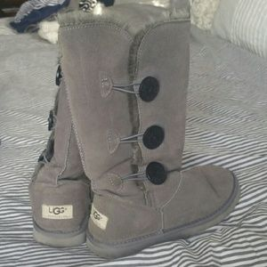 Gray UGG boots size
