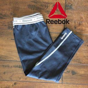 4 for $20 ✔️ Reebok 3/4 Compression Leggings