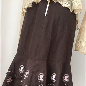 odille Dresses & Skirts - VINTAGE TIERED CAMEO DESIGNER SKIRT