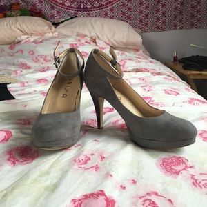 Unisa Shoes - Unisa gray platform heels with ankle strap