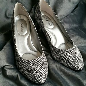 Katie K Shoes - Black and white shoes