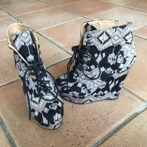 Charlotte Russe Aztec Pattern Bootie Heels Size 8