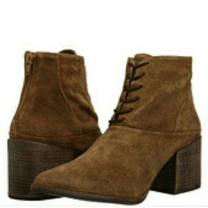 Nasty Gal Shoes - New Matisse Vixen suede booties. Size 7.