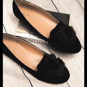 Shoes - Flash sale! Black Velvet flats w/faux fur var sz