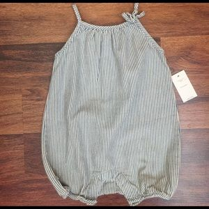 GAP Other - NWT Baby Gap Romper size 3-6 months