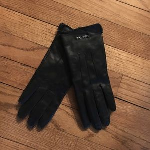 Calvin Klein m/l black leather gloves