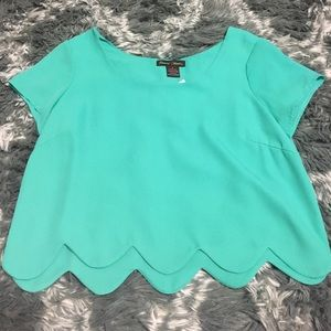 Tops - Scallop cropped top small mint green NWT