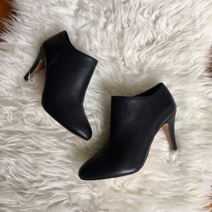 • Vince Camuto black vive ankle booties •