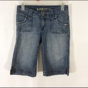 Hydraulic Denim - Slightly distressed Hydraulic capris