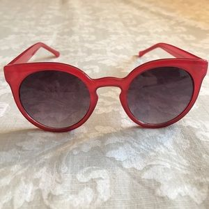 Komono Accessories - Komono Lulu sunglasses in red.