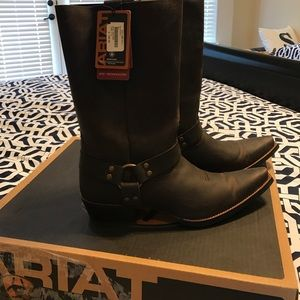 62% off Ariat Shoes - NEW, never been used Ariat boots from Juan's ...