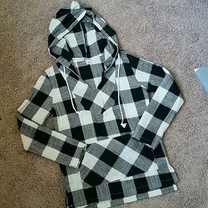 Tops - NWOT Long sleeve White/Black hooded shirt