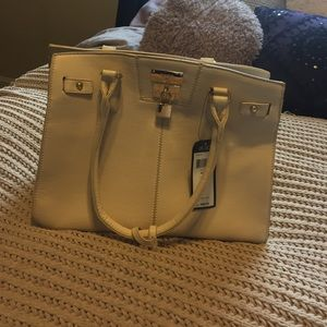 BCBG Handbags - Cream colored BCBG bag