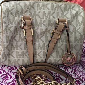 Michael Kors Handbags - Michael Kors Grayson Satchel