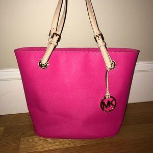 Michael Kors Handbags - Pink Michael Kors Bag!