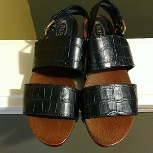Tod's Shoes - TOD'S CROC EMBOSSED LEATHER SANDALS
