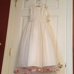 Us Angels Other - Beautiful flower girl dress size 8