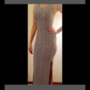 Hot Kiss Dresses & Skirts - Hot Kiss Chevron Style Maxi 🌞