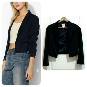 Urban Outfitters   New Cropped Drape Blazer