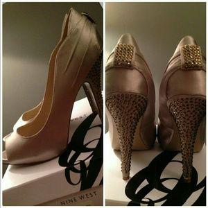 NINE WEST Peep Toe Gold Rhinestone Heels 7.5