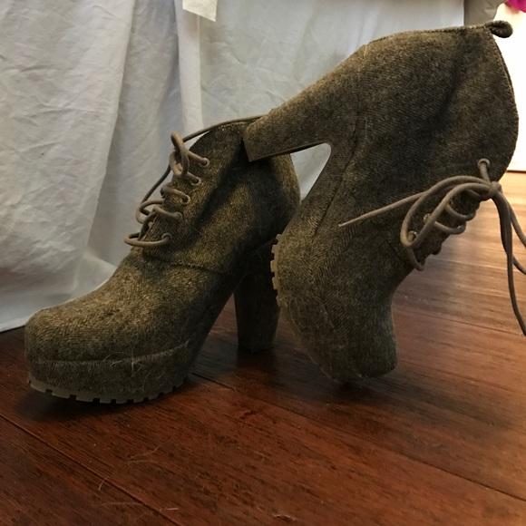 210c88e5ada Blowfish Shoes - lace up Grey platform booties from Blowfish