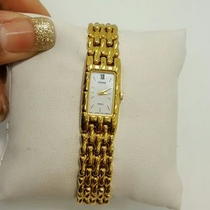 Pulsar Jewelry - Pulsar woman's gold tone watch