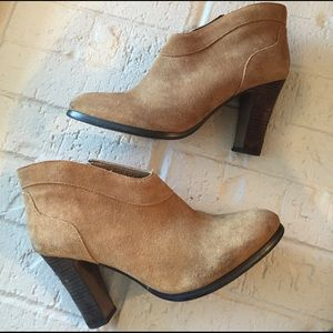 Madewell Shoes - Crown Vintage Suede Ankle Booties
