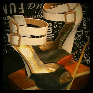 Rouge Shoes - Black, Tan, Gold and off white heel