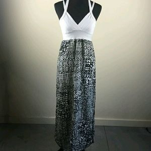 Angl black and white maxi