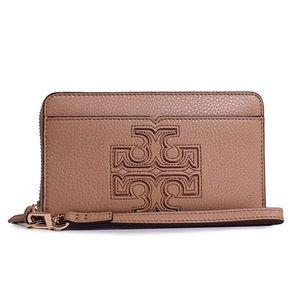 Tory Burch Handbags - Tory Burch Harper Smartphone Wristlet