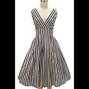 Black and white striped cotton dress retro M