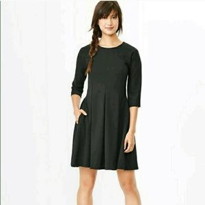 GAP NWOT fit and flare black dress - size 0