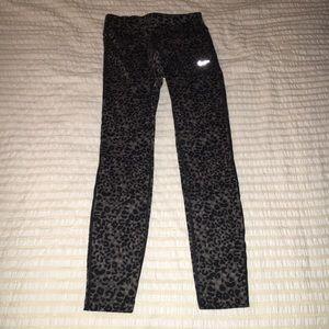 Nike Pants - Nike Printed Legging