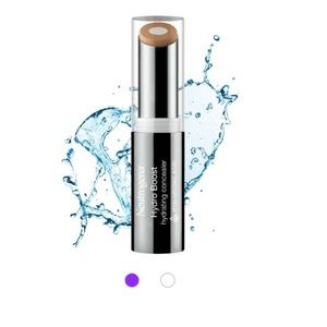 neutrogena Other - 🎉HP🎉NWT Neutrogena Hydro Boost Concealer light